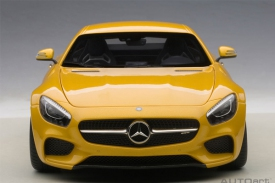 AUTOart MERCEDES-AMG GT S (YELLOW)